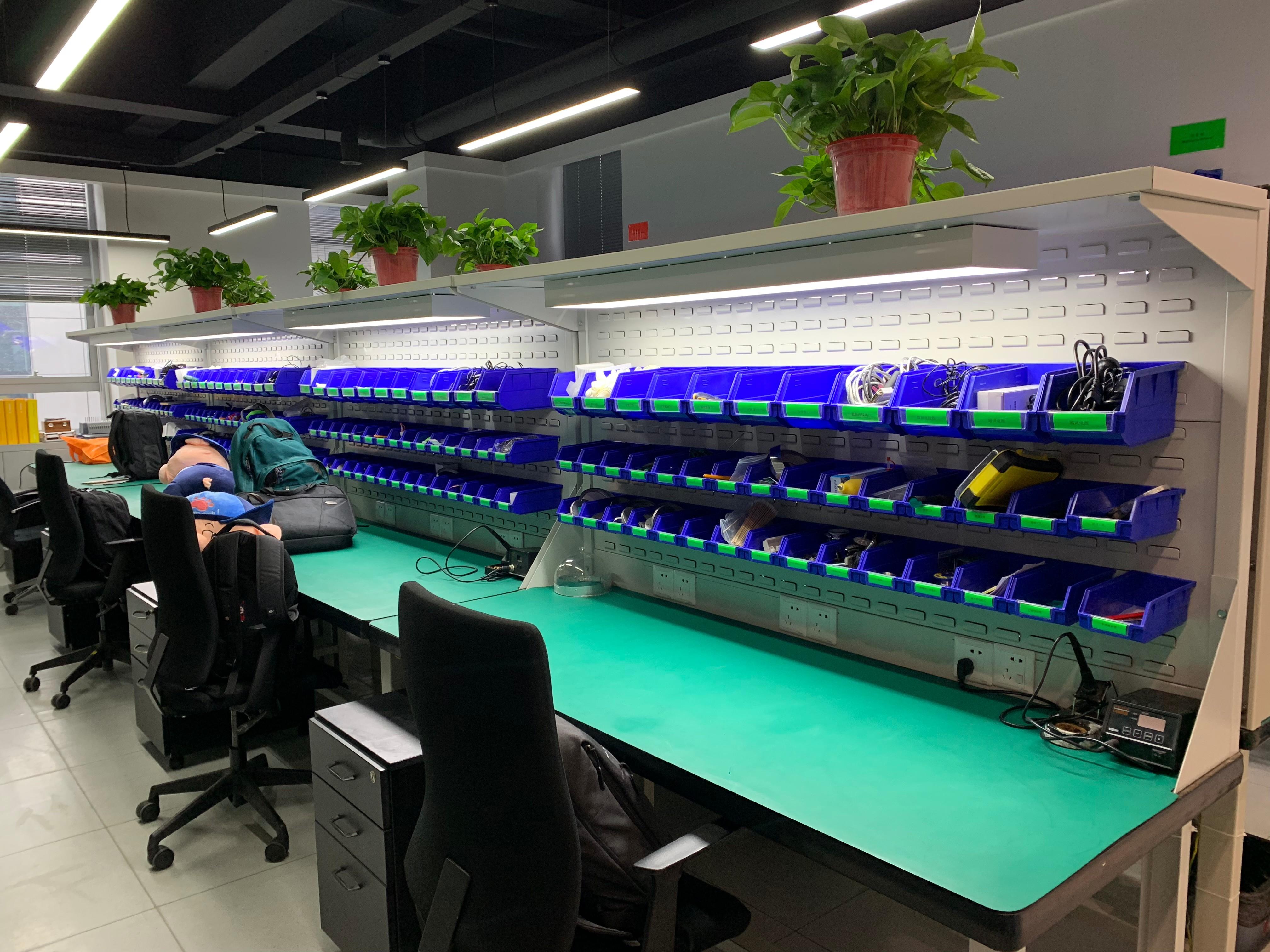 重庆钳工工作台